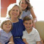 A Vó Ju leva muitas vezes os netos à escola