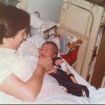 Acabado de nascer com a mãe Maria Manuela