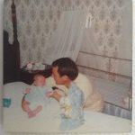 Foto com poucos meses com o pai